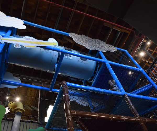 Indoor Playground Components and Attractions: 2d cloud and plane theming on playground